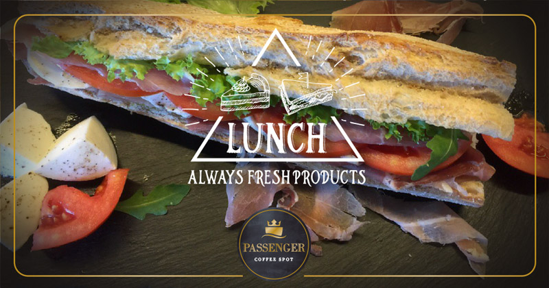 Μεσημεριανό στο Passenger Coffee Spot με γευστικά σάντουιτς.